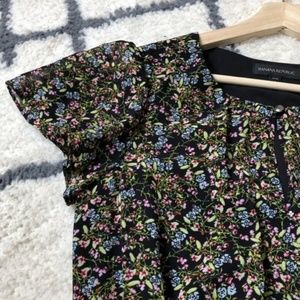 Banana Republic floral keyhole dress with pockets